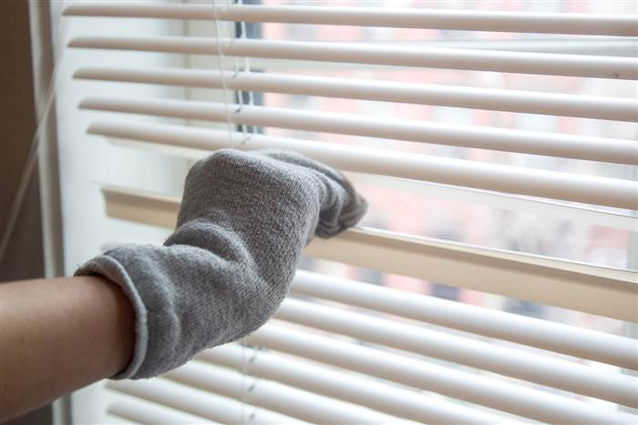 Deep clean, how to clean your blinds, clean your blinds, popular pin, bling cleaning tips, clean your blinds, cleaning hacks, cleaning tips, clean home.