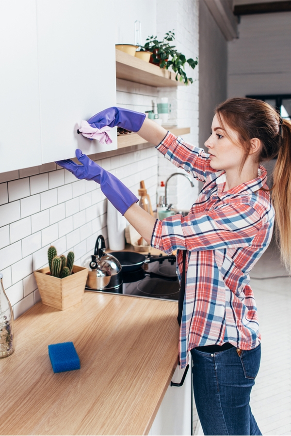 Clean Greasy Kitchen Cabinets With Ease - Wrapped in Rust