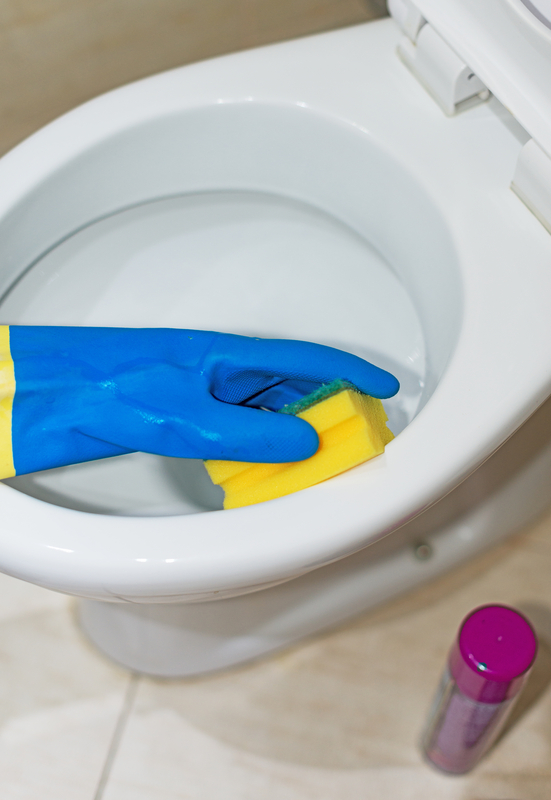 remove pee smell in the bathroom