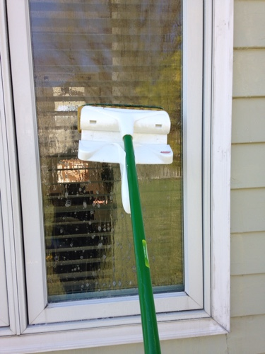 8 Essential Window Cleaning Tips3