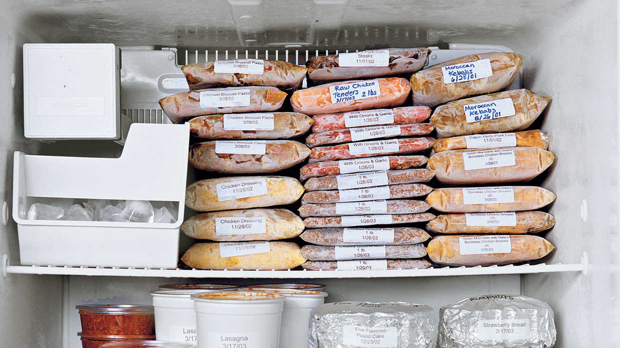 Organized freezer, freezer organization, organization hacks, staying organized, popular pin, cleaning, cleaning hacks, DIY cleaning.