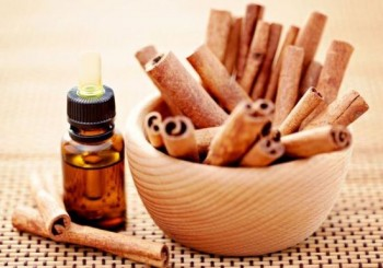 10-ways-to-clean-naturally-with-essential-oils10