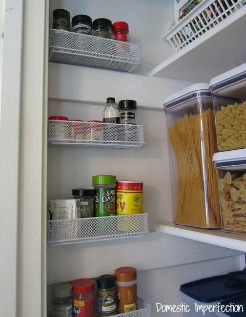 10-organization-tricks-to-make-your-pantry-feel-huge4