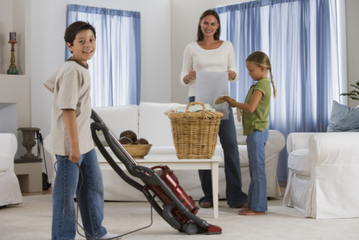 On the hunt for workable cleaning schedules that fit into your life? We've got you covered! We show you where to find exactly what you need. We even have great ways to help get the family involved with cleaning.