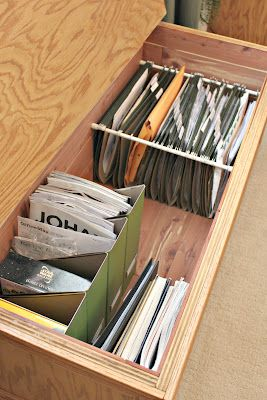 20-ways-to-reduce-clutter-with-tension-rods14