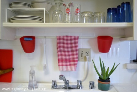 20-ways-to-reduce-clutter-with-tension-rods16