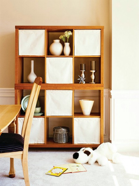 20-ways-to-reduce-clutter-with-tension-rods4