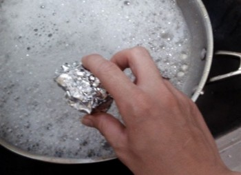 10-unheard-of-ways-to-use-aluminum-foil