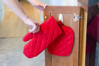 Command Hooks, Things to Do With Command Hooks, Command Hook Hacks, Organizing With Command Hooks, How to Organize With Command Hooks, Organization Hacks, Clutter Free Home, Popular Pin, Ways To Use Command Hooks