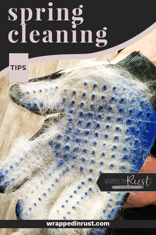 Whether your focus is deep cleaning, decluttering or just a few extra things besides the weekly routine, you will find some awesome Spring cleaning tips here that will get you on track! #wrappedinrustblog #springcleaningtips #springcleaninghacks