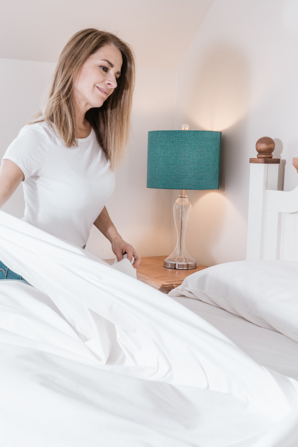 Mattress cleaning with baking soda is an easy way to freshen up your mattress! When you use baking soda, hydrogen peroxide and essential oils to clean your mattress, you'll enjoy a better smelling mattress. Don't miss these mattress cleaning tips! Your bed will feel better than ever.