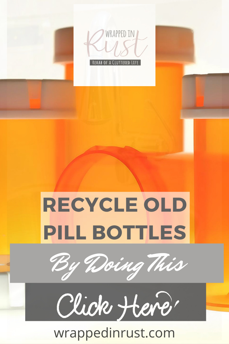Make some really fun crafts using old pill bottles and feel good about doing your part to recycle by repurposing! #wrappedinrustblog #usesforoldpillbottles #repurpose