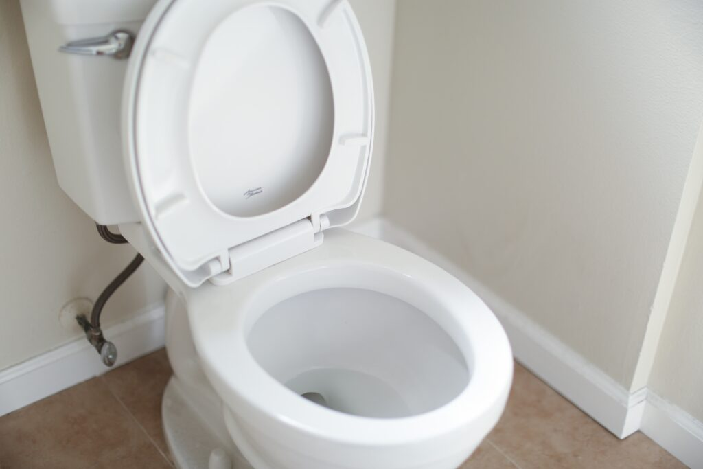 Cleaning toilet bowl stains