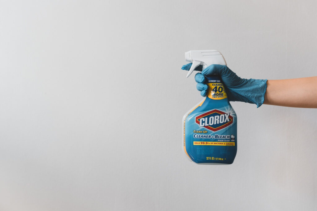 Wash off all the residue using Lestoil