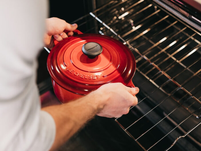 Cleaning oven racks with baking soda