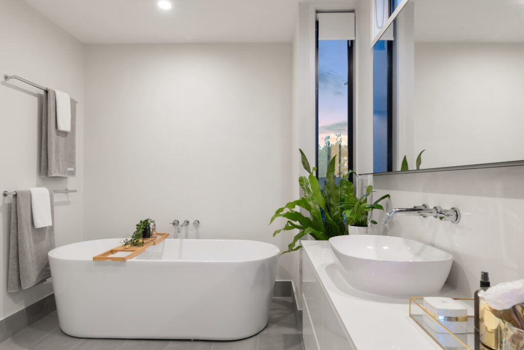 Clean bathtub while standing tips