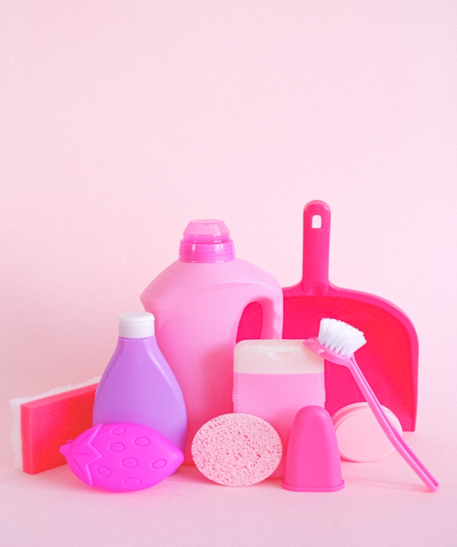 Using recycled items to make a Lysol disinfectant spray