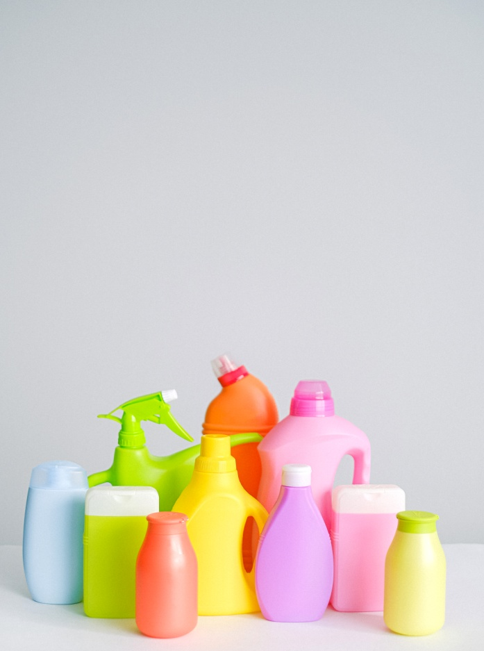 How to make a Lysol cleaning spray at home